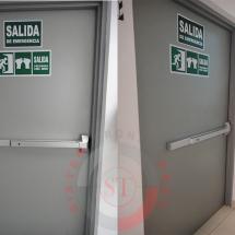 puerta de emergencia certificada