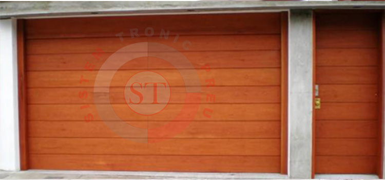 puerta-seccional-en-capirona-madera-